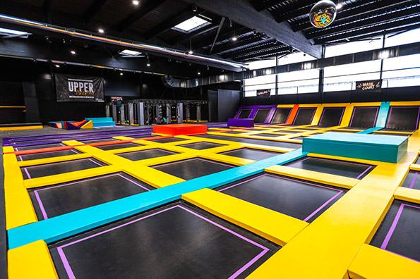 La plaine de jeux d'Upper Avenue est composée de 81 trampolines : le plus grand trampoline park de l'ouest est à Rennes !