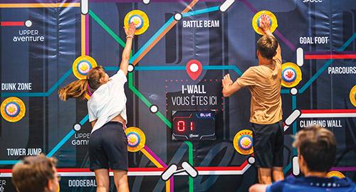 Le i-wall est un jeu de trampoline interactif à Rennes