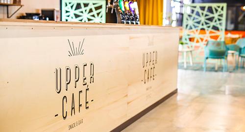 L'upper café est situé à l'entrée du trampoline park Upper Avenue à Rennes - Vern sur Seiche